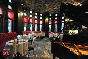 黑色古堡-法義風味人文餐廳