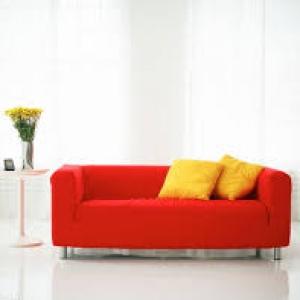 標價販售的名牌沙發