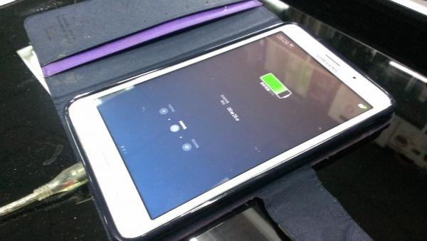 Samsung Galaxy Tab4 無法充電